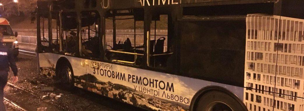 У Львові горів автобус 5А