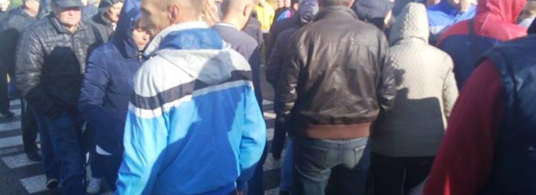 Траса Львів-Шегині другу добу у блокаді