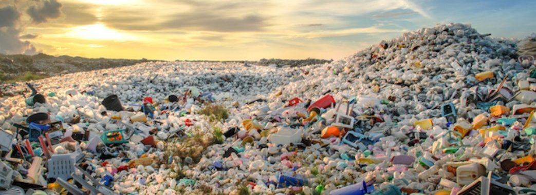 У Європі заборонять пластиковий посуд