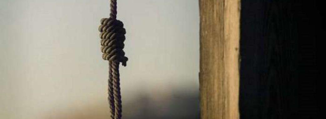 На Старосамбірщині 38-річна жінка покінчила життя самогубством