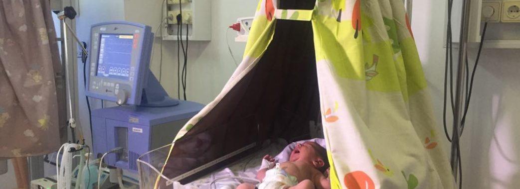Як у львівській лікарні допомагають недоношеним дітям