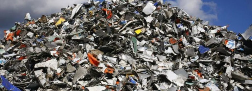 Новий Розділ потерпає від сміття (відео)