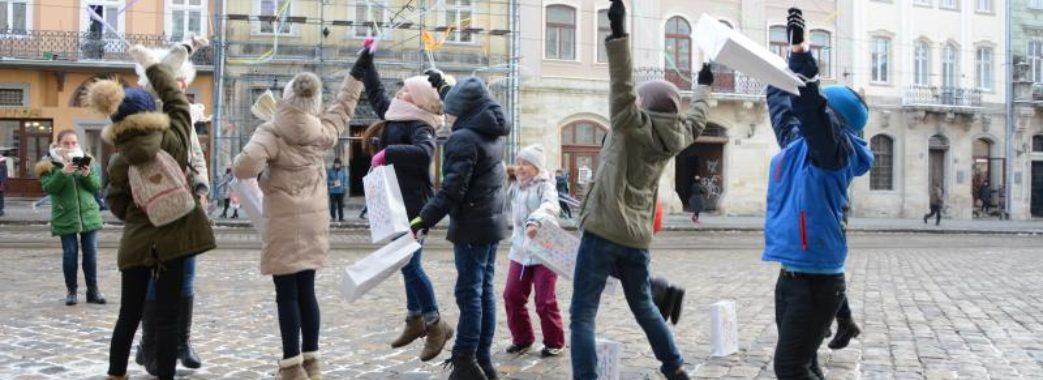 На площі Ринок проводять нетиповий урок історії Львова