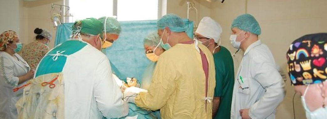У Львові пластичний хірург з Німеччини оперуватиме дітей