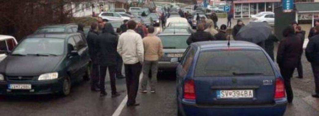 Протестувальники продовжують блокувати кордони