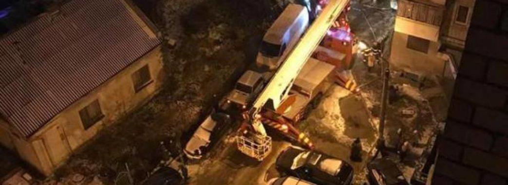 Пожежа у Львові: горілий ліфт заблокував 30 людей