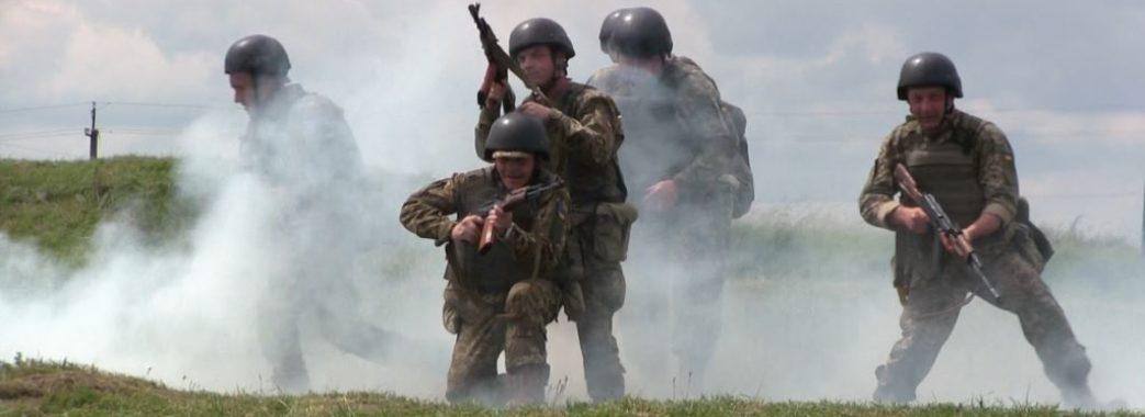 Військовий прострелив собі ногу під час навчань