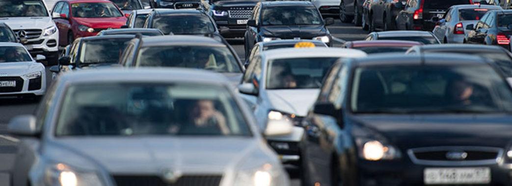 Власникам свіжопригнаних іномарок дозволили продавати авто одразу і без доплат