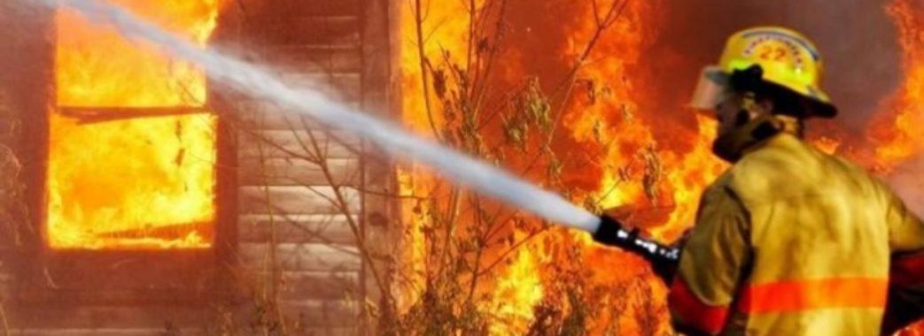 На Турківщині чоловік сильно обгорів, бо сам гасив пожежу