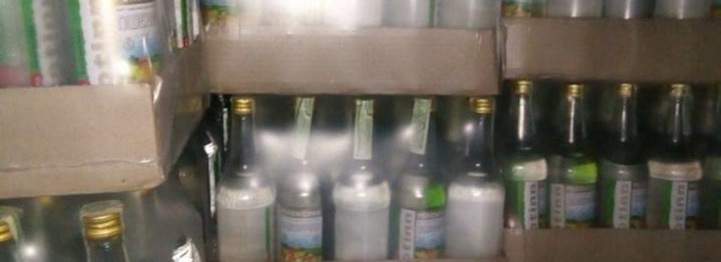 На Львівщині поліція ліквідувала нелегальну мережу фальсифікованого алкоголю