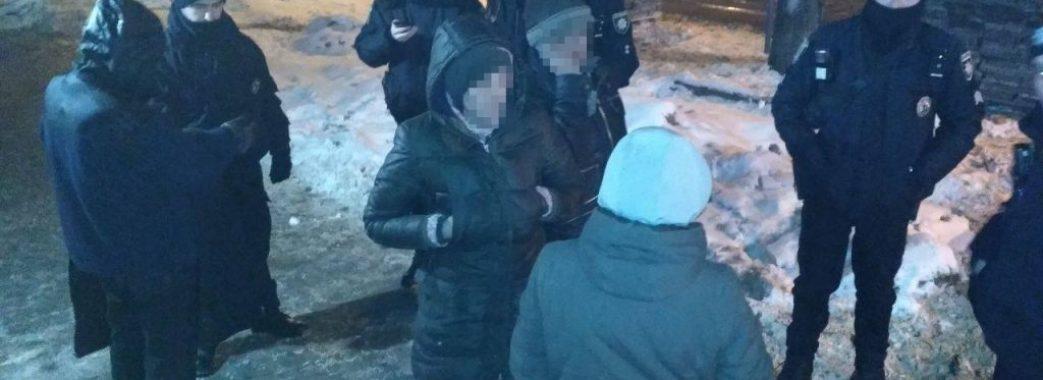 У Львові поліція затримала крадіїв плитки з тротуару