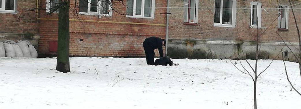 В Червонограді чоловік зірвався з балкону 4 поверху
