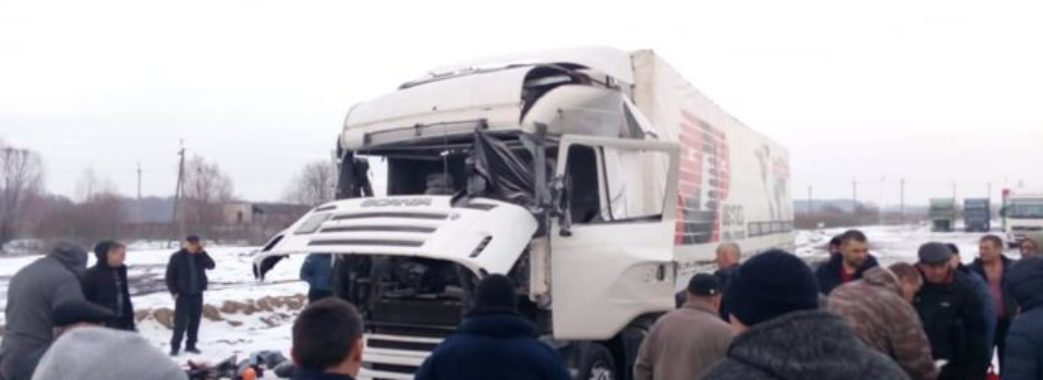 На Яворівщині від вибуху балону у вантажівці постраждав її водій