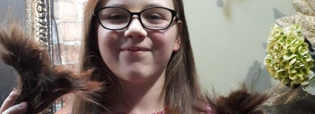 10-річна дівчинка обрізала коси, аби допомогти онкохворим