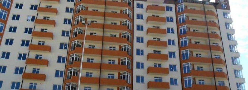 У Трускавці нажилися на квартирі сироти