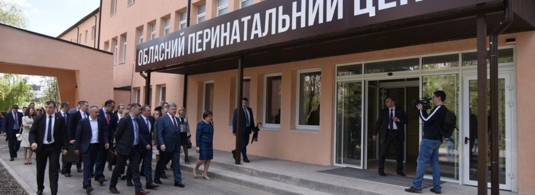 Львівського лікаря, якого звільнили по вині будівельників, поновили на роботі
