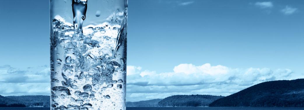 У навчальні заклади Східниці діти приносять воду з собою