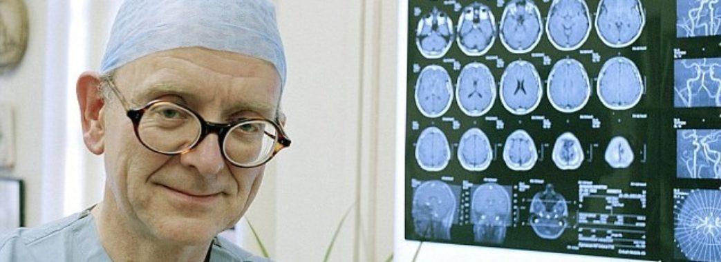 У Львові британський нейрохірург Генрі Марш провів три надскладні операції на мозку
