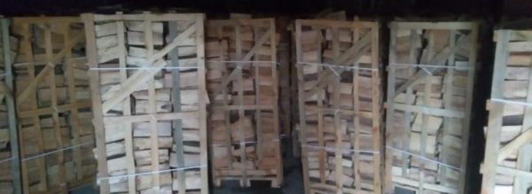 Яворівські митники затримали контрабандний ліс, який везли у Люксембург