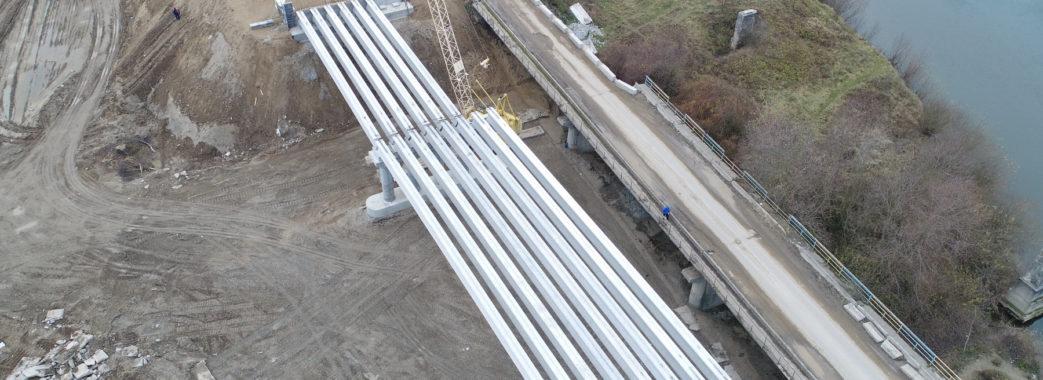На Жидачівщині відновили будівництво моста через Дністер