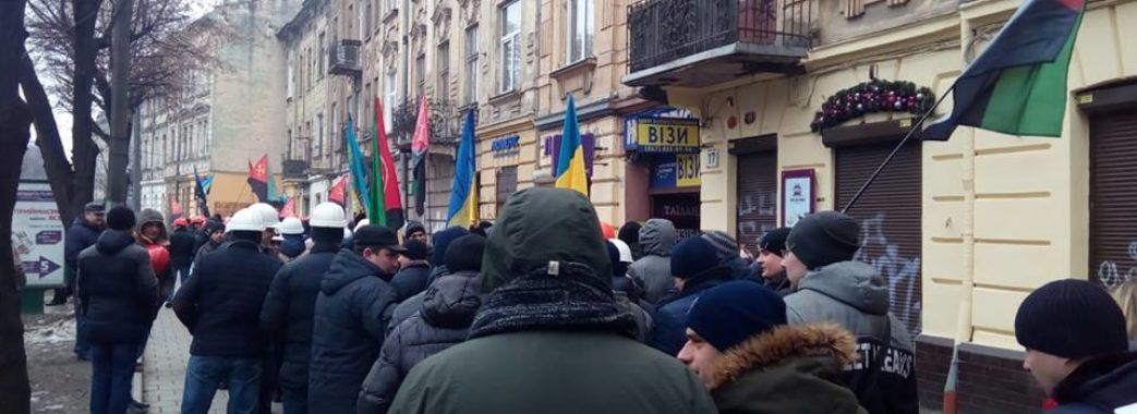 Шахтарі Львівщини знову вийшли на страйк: вимагають зарплату