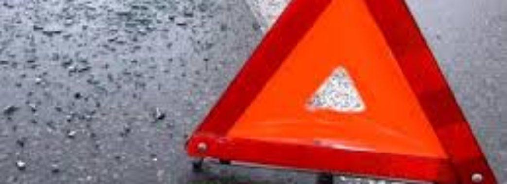 На Городоччині іномарка влетіла в автобус з 25 пасажирами: водій загинув
