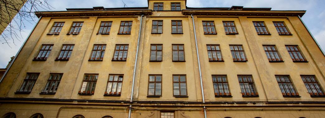 Центру Опіки Сиріт пропонували приміщення на території психіатричної лікарні замість будівлі на вулиці Короленка
