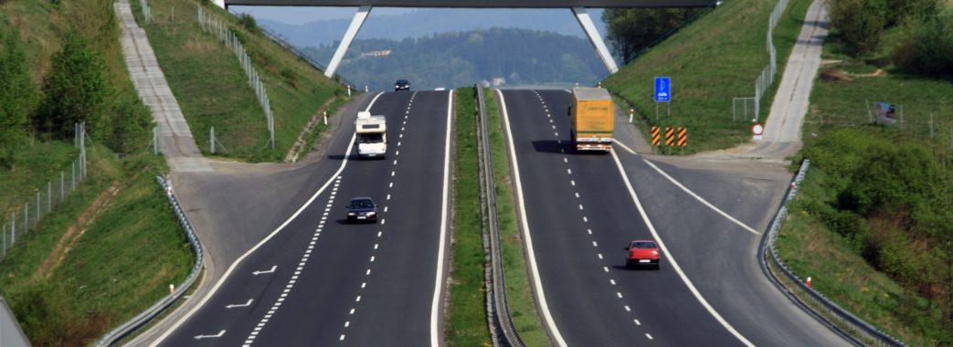 В Україні з'явиться перша платна дорога Львів-Краковець