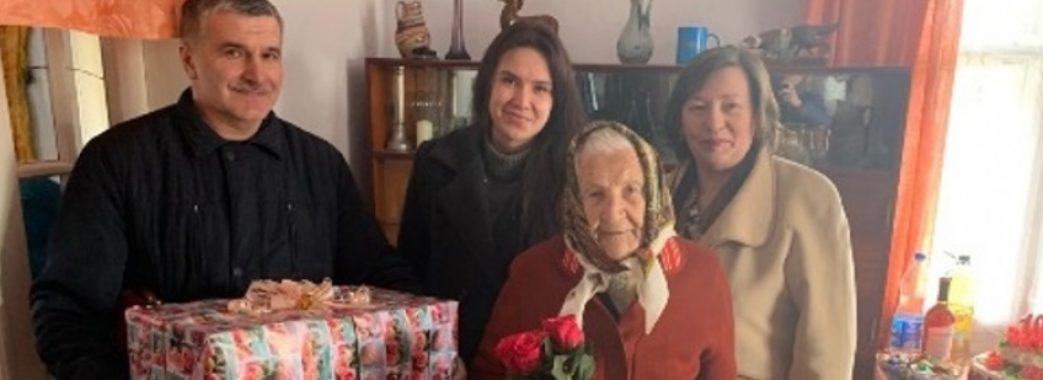 100-річна Юлія Тильчак з Жидачівщини досі працює на городі