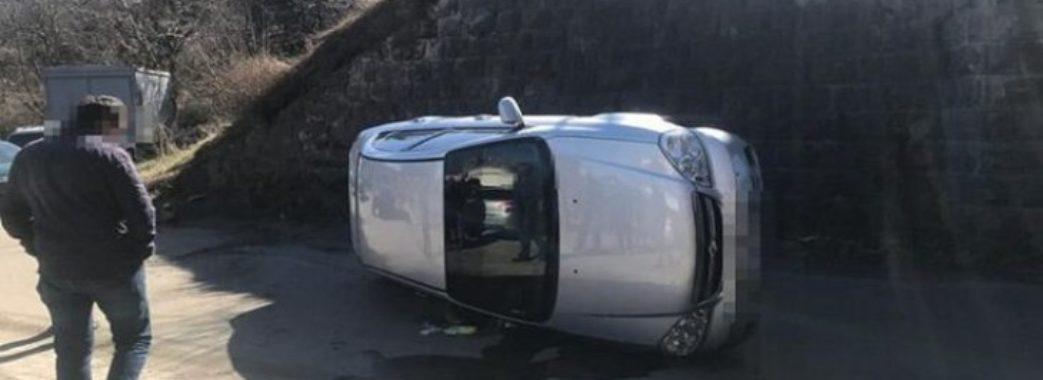 «П'ю п'ятий день»: львів'янин перекинувся на власному автомобілі
