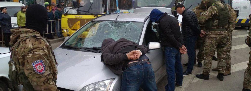Подробиці спецоперації затримання квартирних крадіїв на Сихові у Львові