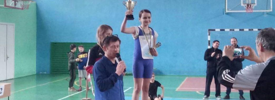 Школярка з Трускавця повернула власнику загублені 150 тисяч гривень