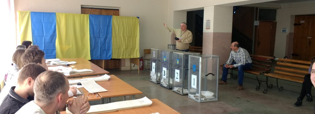 «Мене гречкою, як тих бабок, не купите»: як голосували львівські безхатченки