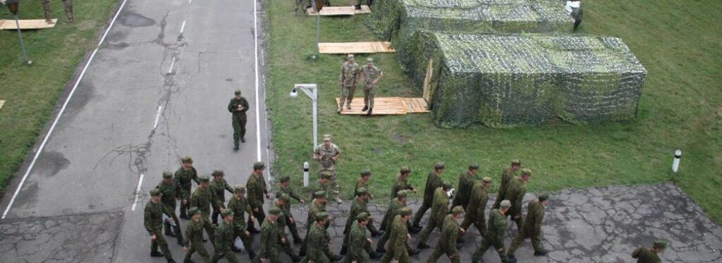 На Яворівщині збирали на оглядини командирів артилерійських дивізіонів