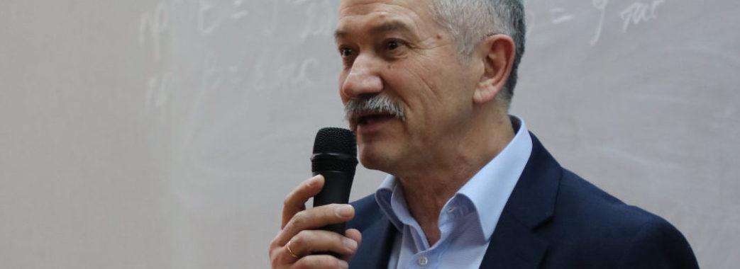 Політик і економіст Віктор Пинзеник назвав головні фактори, які перешкоджають економічному зростанню