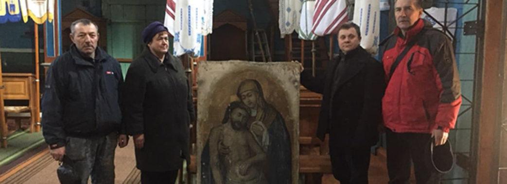 Дізнавшись, що придбав крадену ікону, колекціонер повернув її церкві на Миколаївщині