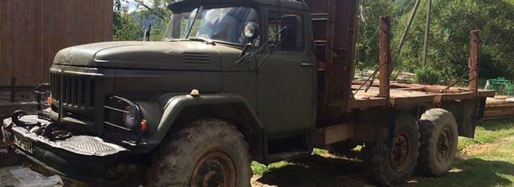 На Дрогобиччині чоловік загинув під вантажівкою, яку ремонтував