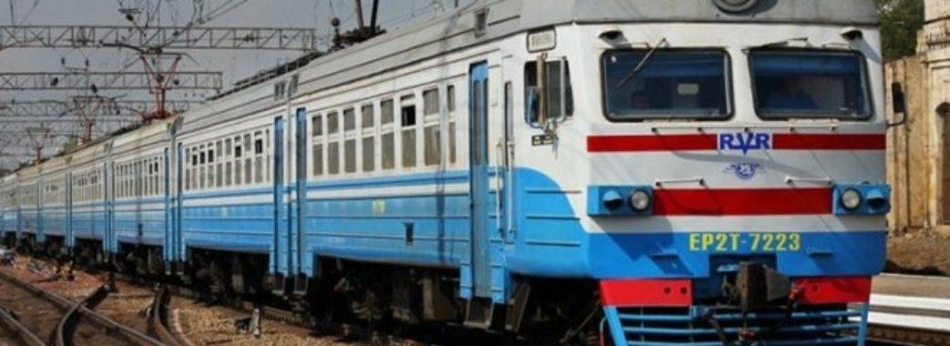 Поїзд «Рава-Руська – Львів» «заробляє» 96 гривень за одне відправлення