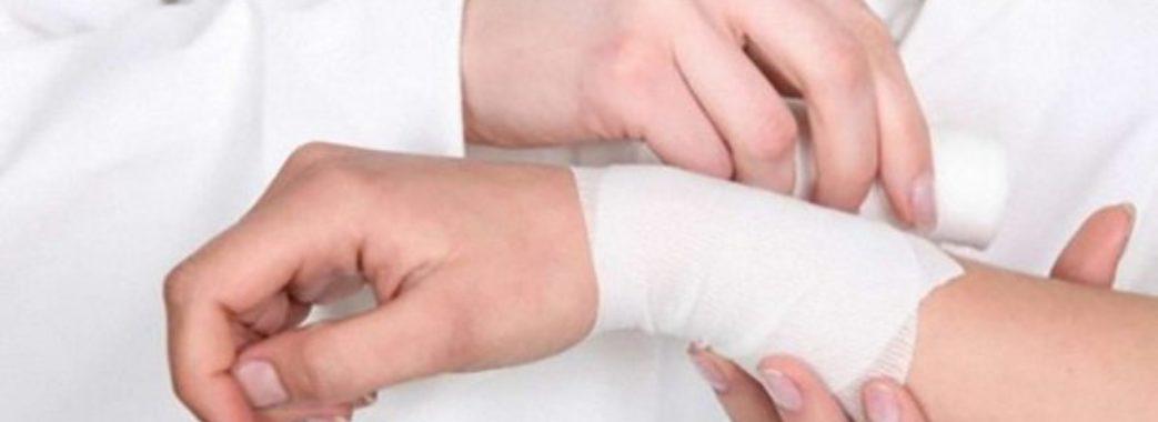 Новорозділець у церкві порізав вени: страждав через розлуку з коханою