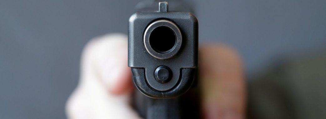 У Львові чоловік стріляв у патрульних