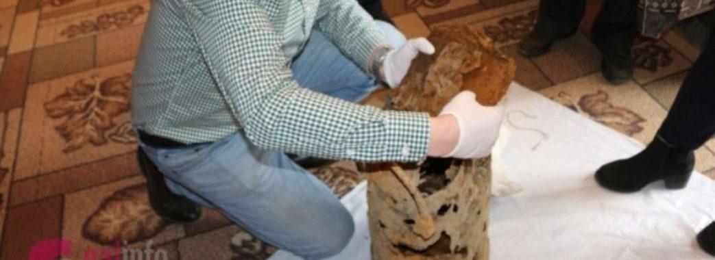 На Турківщині чоловік відкопав бідон з документами УПА