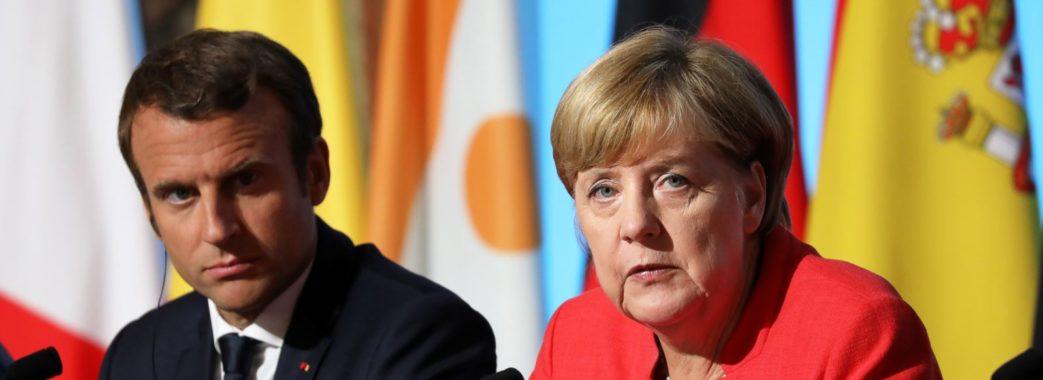 Меркель та Макрон по телефону поговорили з Путіним про Україну