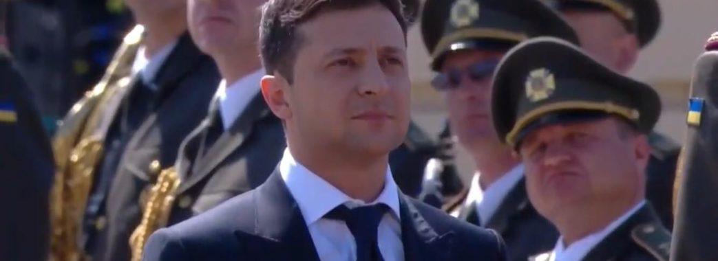Володимир Зеленський заборонив чиновникам вішати його портрети