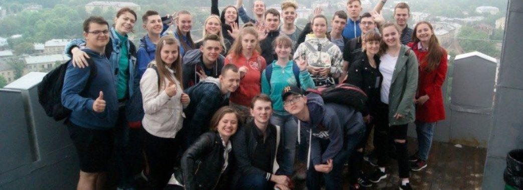 Львівські студенти організували екскурсію мовою жестів для нечуючих