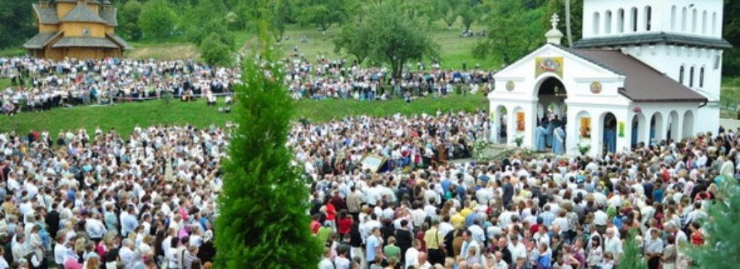 Більше тисячі паломників до Унева супроводжує поліція