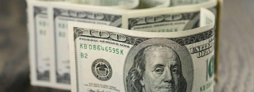 Курс долара дивує: що буде з валютою в Україні
