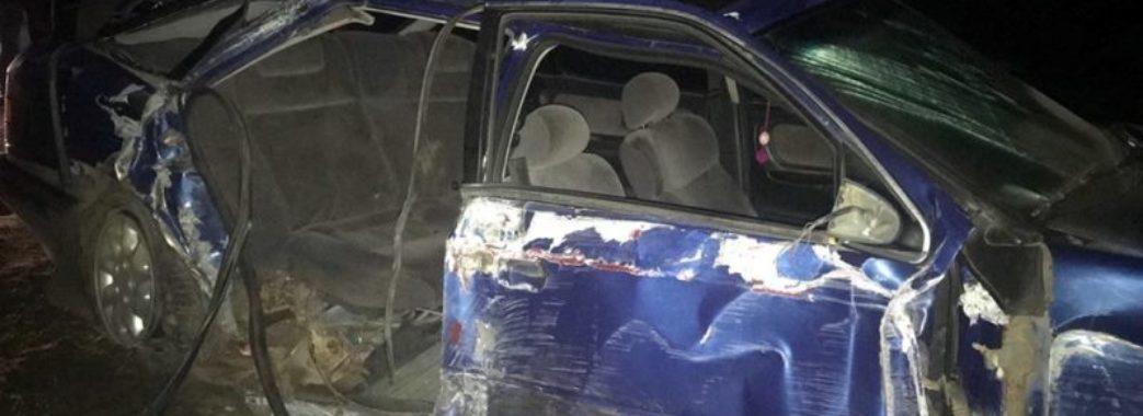 У Сколівському районі студенти на іномарці врізалися в опору залізничного моста: водій загинув на місці