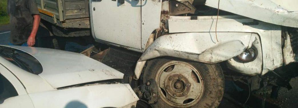 На Золочівщині сталася ДТП за участю п'ятьох автомобілів