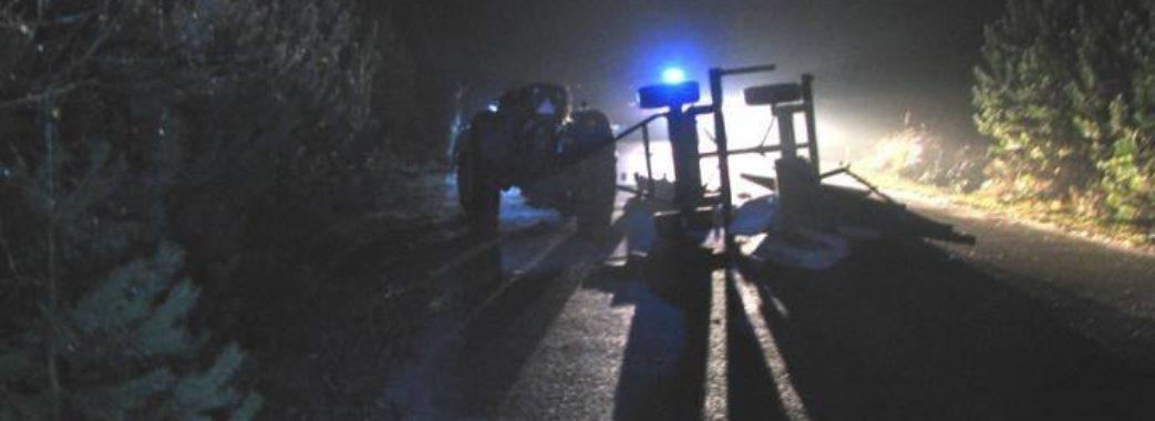 Підліток на позиченому мотоциклі врізався у трактор