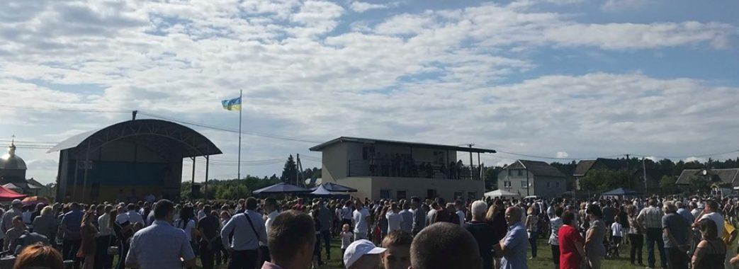 На Яворівщині односельчани організували благодійний ярмарок для порятунку Миколи Вагеника